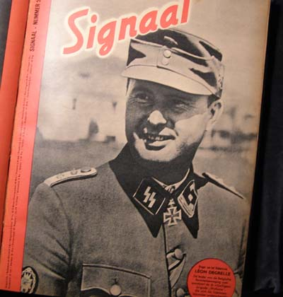 WW2 German Signal Magazines. 12 Bound Copies. Published 1944. Dutch Language.
