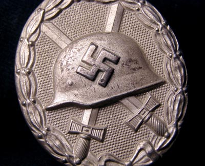 Silver Wound Badge With LDO Number '92'.