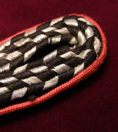 NSKK OR/NCO epaulette - light red piping
