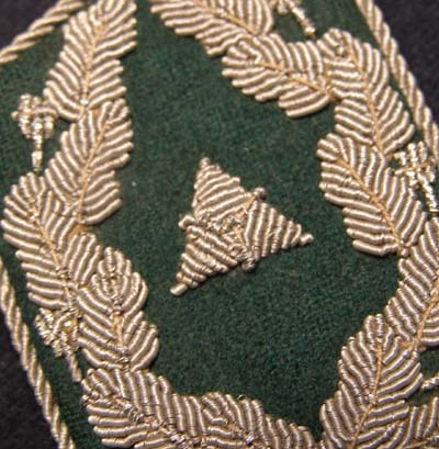 Luftwaffe  Administration or Geheime Feld Polizei officials collar patch - Direktor - Single