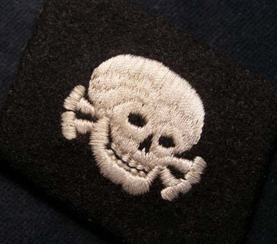 Waffen-SS Insignia. 'Totenkopf' Skull Collar Patch - Early Style.