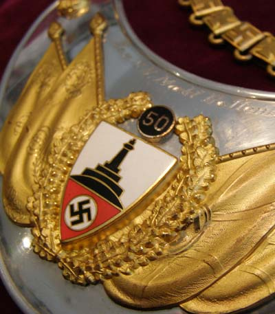 Type 1 Reichskriegebund gorget for '50' years